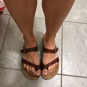 Yokono sandles- gently worn